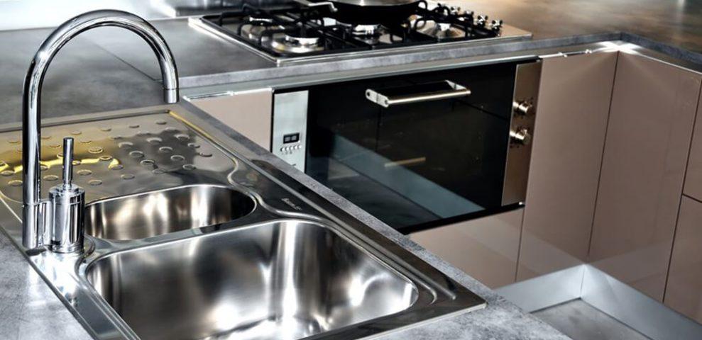 Come Pulire Il Lavandino In Acciaio.Come Pulire L Acciaio Tutti I Metodi E I Prodotti Da Utilizzare
